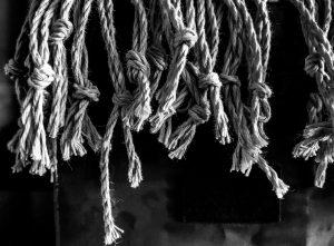 Translating Idioms - Raining Ropes?
